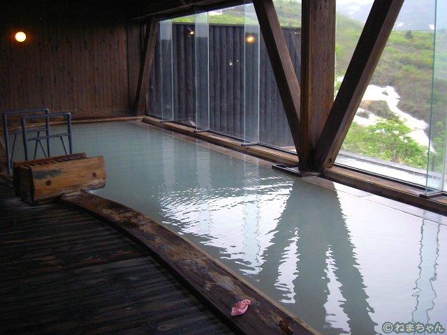 「栗駒山荘」内風呂