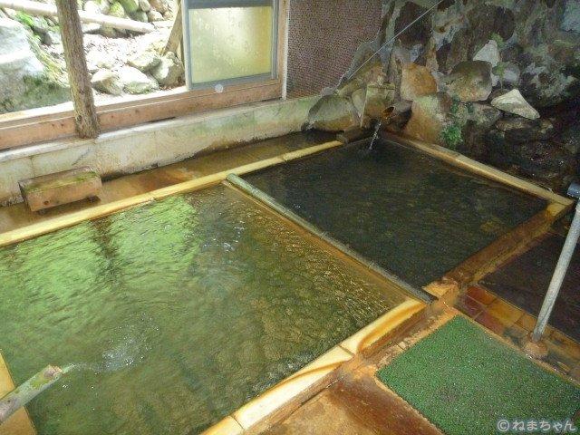「中の湯旅館」男湯混浴