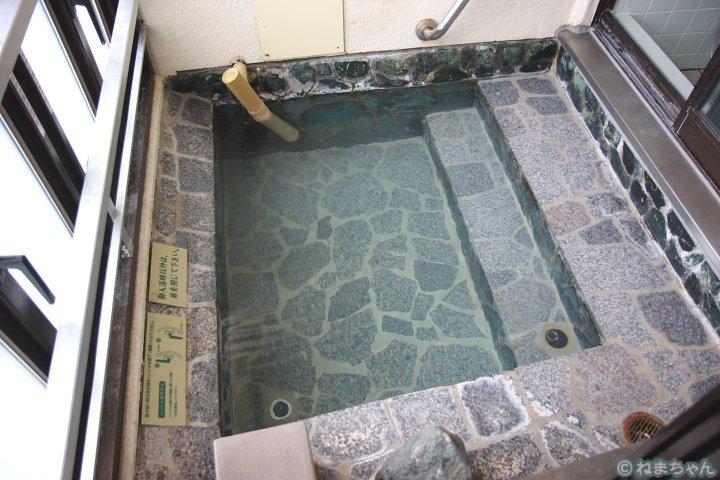 「渚亭」部屋の露天風呂