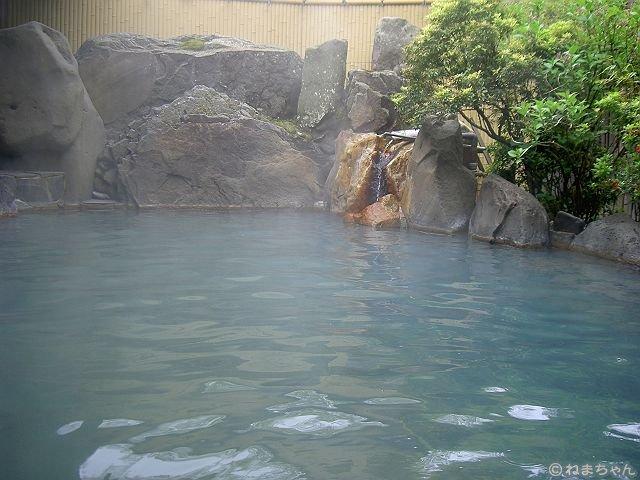 「黒川荘」岩露天風呂